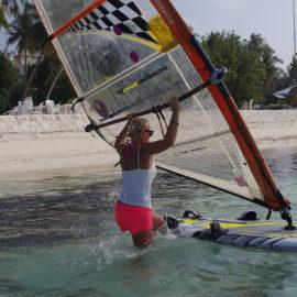 """""""Surfiseiklus India ookeanis, Maafushil"""""""